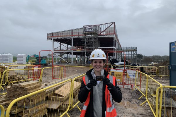 Roxanne Weller Apprentice Construction Site Manager 2020 600x400 - National Apprenticeship Week 2020